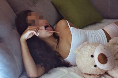 Проститутка Киева Лена, с 2 размером сисек