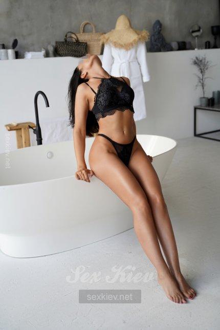 Проститутка Киева Вика, интим услуги без доплат к 5000 грн