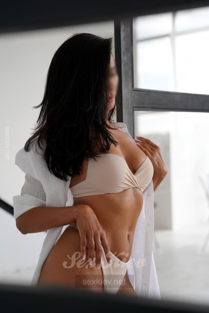 Проститутка Киева Вика, секс с 01:00 до 01:00
