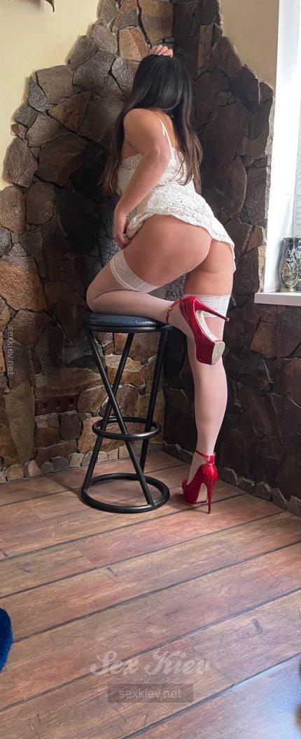 Проститутка Киева КРИСТИНА, с 2 размером сисек