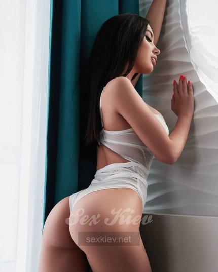 Проститутка Киева Марьяна ИНДИ, шлюха за 2800 грн в час