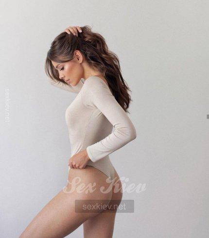 Проститутка Киева Соня, шлюха за 2500 грн в час