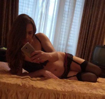 Проститутка Киева Ксения, интим услуги без доплат к 1500 грн