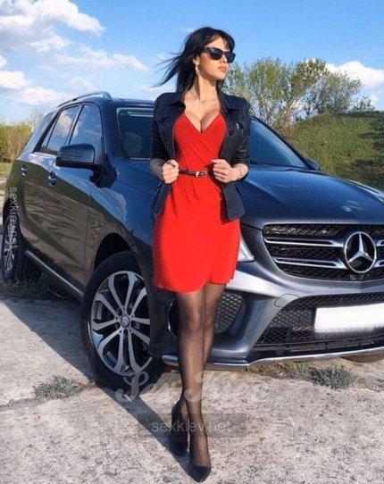 Проститутка Киева Лаура , шлюха за 2500 грн в час