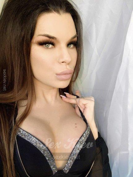 Проститутка Киева Инна_транссексуалка, секс с 11:00 до 11:00