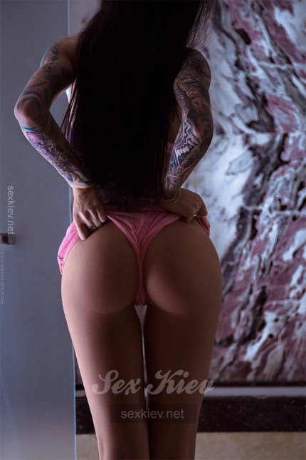 Проститутка Киева Аринка, с 3 размером сисек