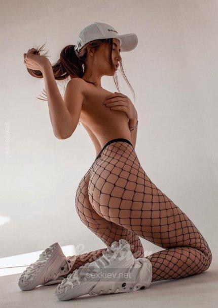Проститутка Киева Каролина, с 2 размером сисек