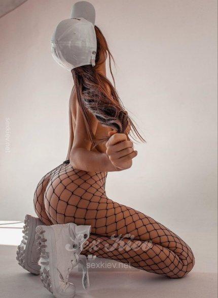 Проститутка Киева Каролина, шлюха за 3000 грн в час