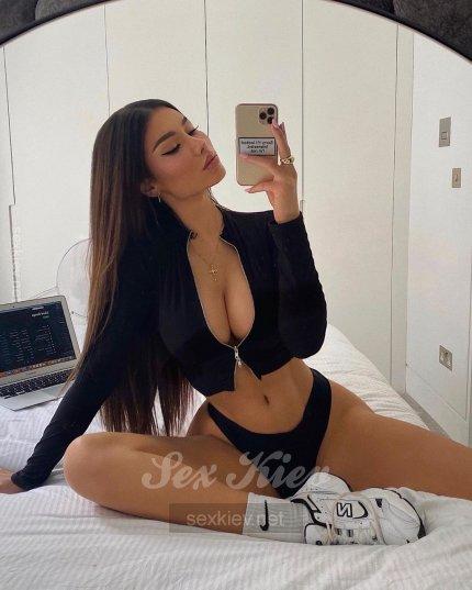 Проститутка Киева Каролина, звонить по телефону +38 (098) 334-77-..