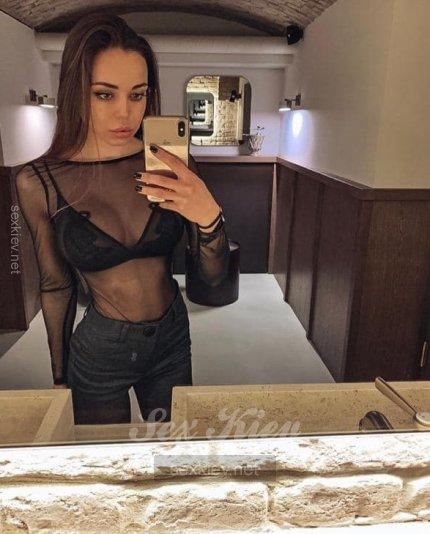 Проститутка Киева Ника, шлюха за 2500 грн в час
