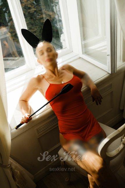 Проститутка Киева  Aлиса , интим услуги без доплат к 3000 грн