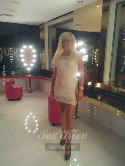 Проститутка Киева Карина Новенькая  п, с 2 размером сисек