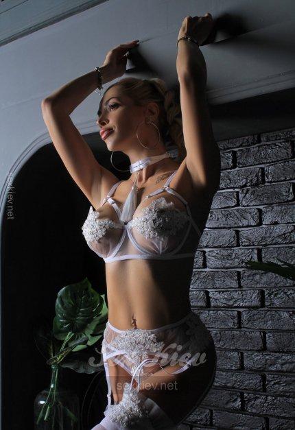 Проститутка Киева Nika, шлюха за 4500 грн в час