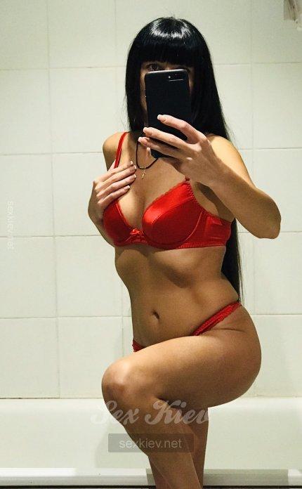 Проститутка Киева Камилла, снять за 2000 грн