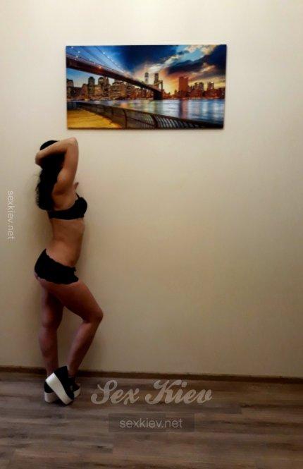 Проститутка Киева Оля, с 2 размером сисек
