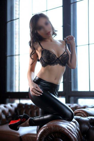 Проститутка Киева Рената, шлюха за 4000 грн в час