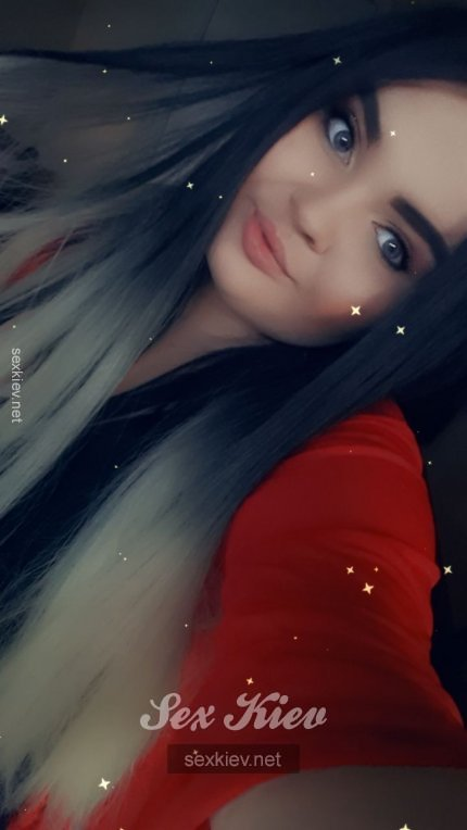 Проститутка Киева Виктория  ЧАС 800, индивидуалка за 300 грн