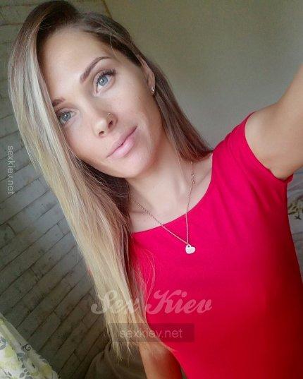 Проститутка Киева Эмилия, снять за 2000 грн