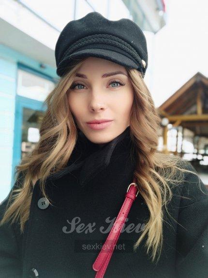 Проститутка Киева Эмилия, ей 27 лет