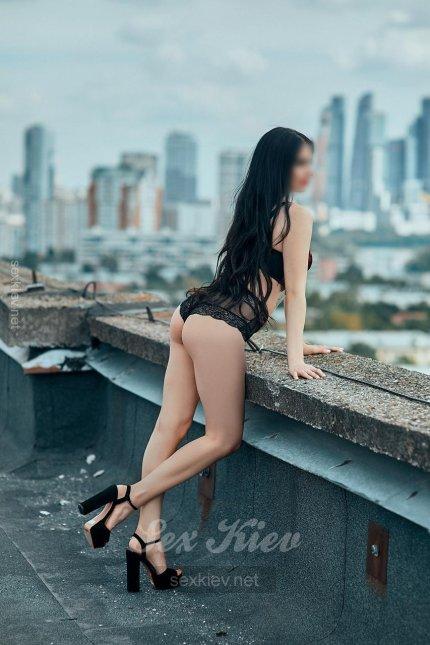 Проститутка Киева Лола, с 2 размером сисек