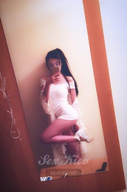 Проститутка Киева Dilla, с 3 размером сисек
