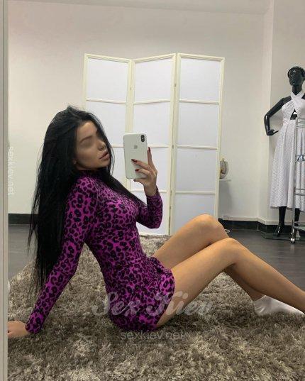 Проститутка Киева Милена, интим услуги без доплат к 2200 грн