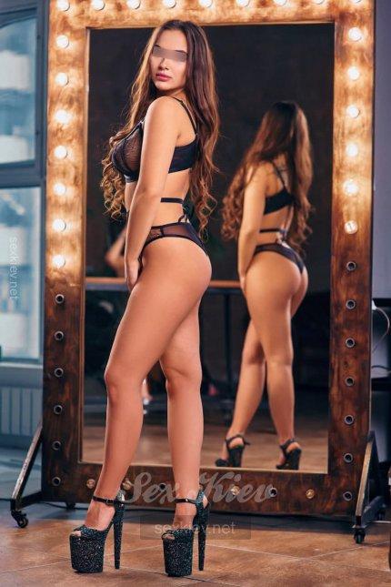 Проститутка Киева Юна, снять за 2200 грн