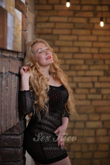 Проститутка Киева Джулия, интим услуги без доплат к 1500 грн