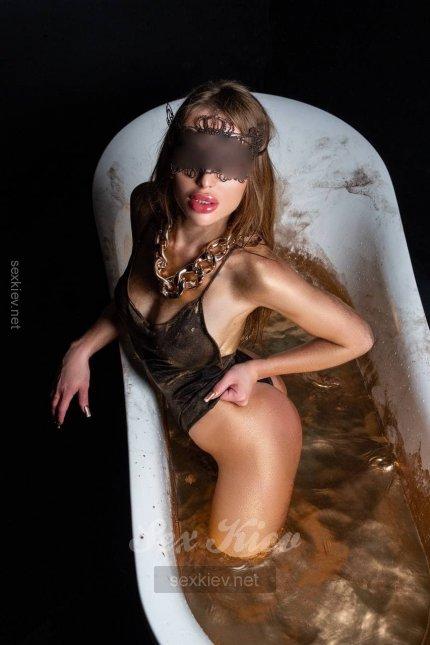 Проститутка Киева Инна, с 2 размером сисек
