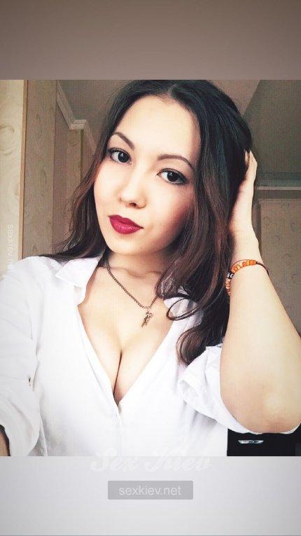 Проститутка Киева Вика, шлюха за 2500 грн в час