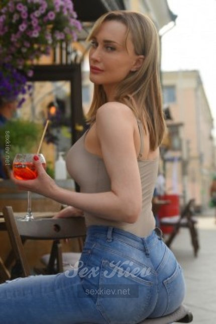 Проститутка Киева САША, шлюха за 300 грн в час