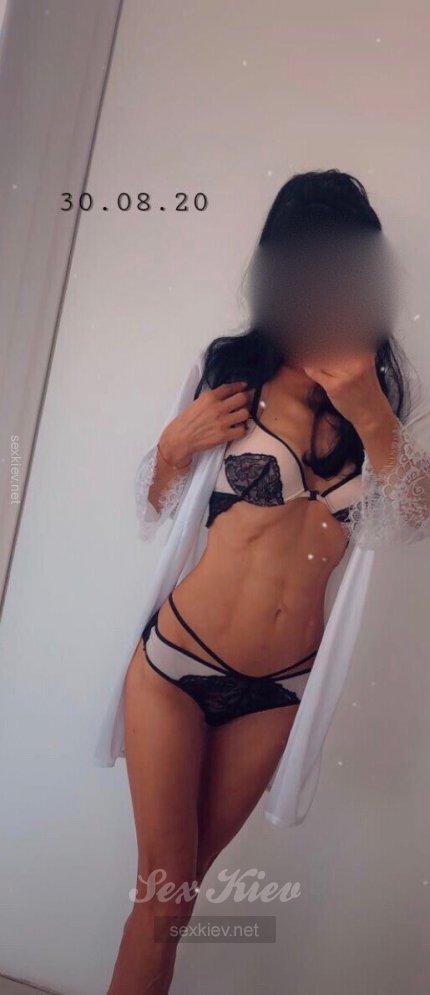 Проститутка Киева Рита, с 2 размером сисек