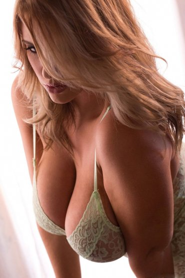 Проститутка Киева Оля600гр, ей 26 лет