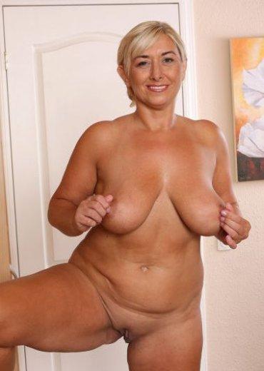 частное фото голіх женщин в возрасте бесплатно